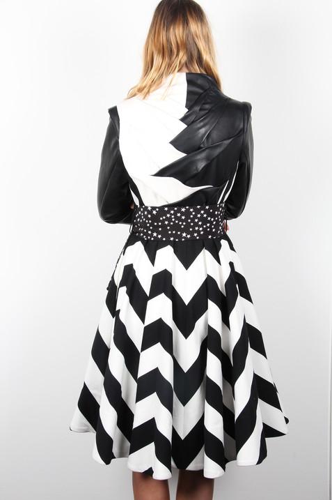 Chevron-Black-White-Stripe-Coat-Back-Lon