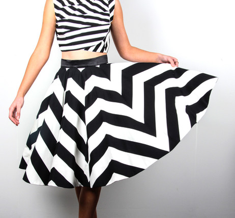 Chevron-Black-and-White-Stripe-Skirt-Ata