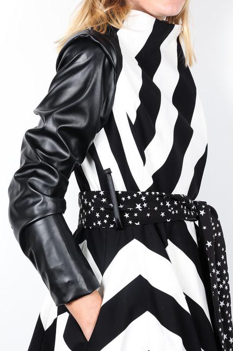 Chevron-Black-White-Stripe-Coat-Details-