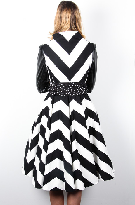 Chevron-Black-White-Stripe-Coat-Back-Ata
