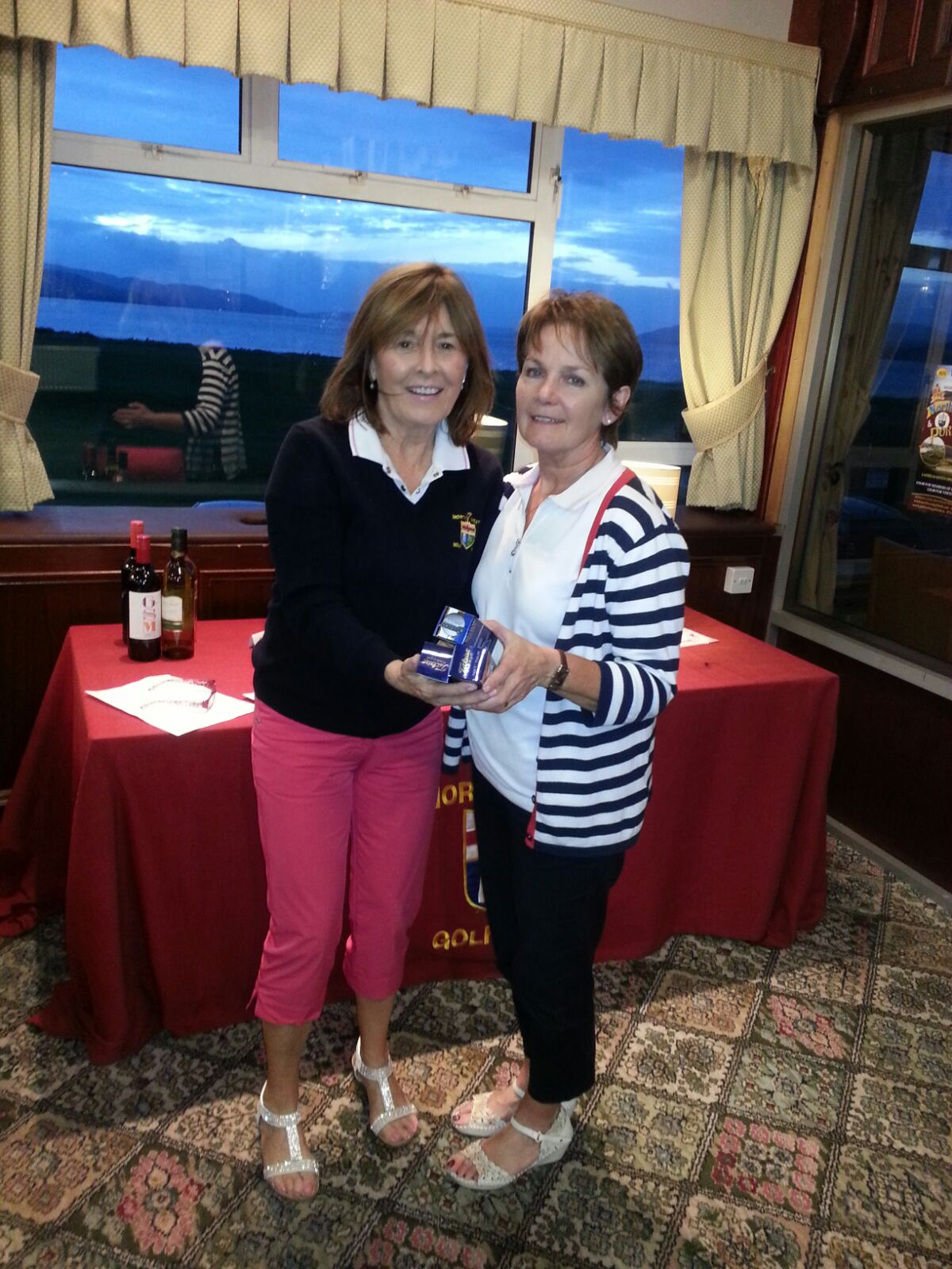 Winner-of-the-Mens-Cup-Margaret-OHea-with-Lady-President-Augusta-Neff