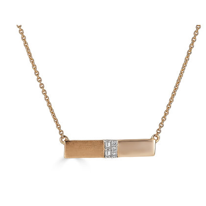Cool Contrast Necklace