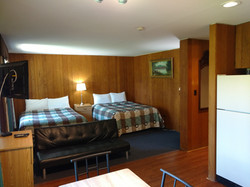 Two Queen beds Suite Kitchenette