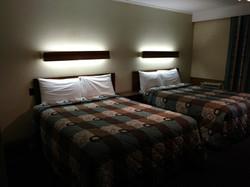 Two Queen beds Suite sofa