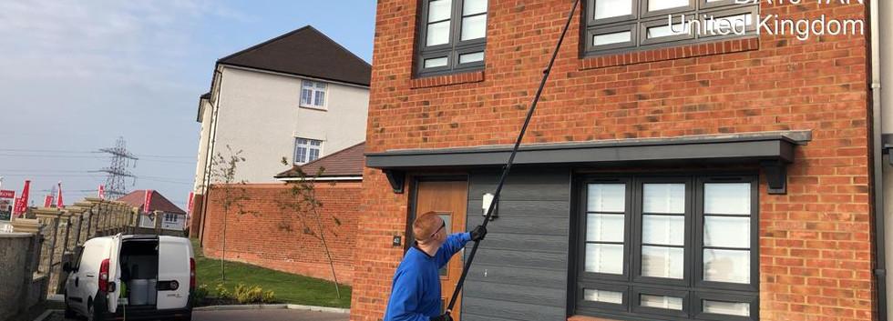 Ebbsfleet window cleane 1.JPG