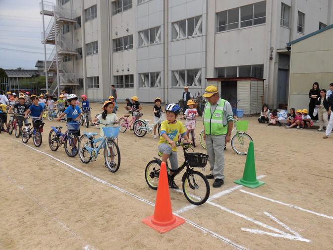 小学校自転車教室の開催