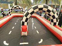 אטרקציות לבר מצווה מסלול מכוניות על שלט