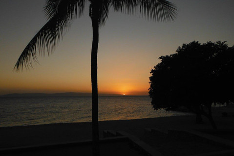 Amazing sunset over the Bay of PaP from Kaliko Beach