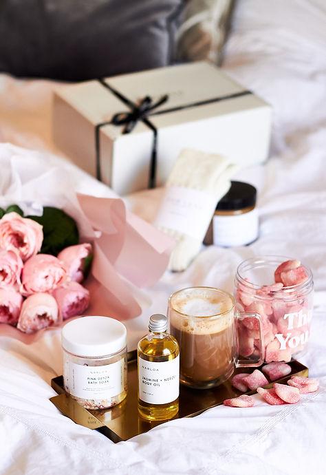 gift box roses