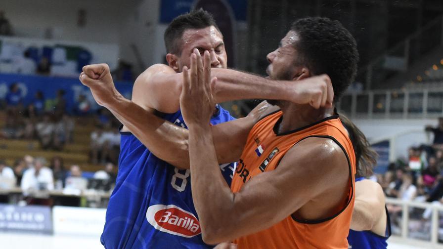 gallinari_kok_NBA_Around_the_Game