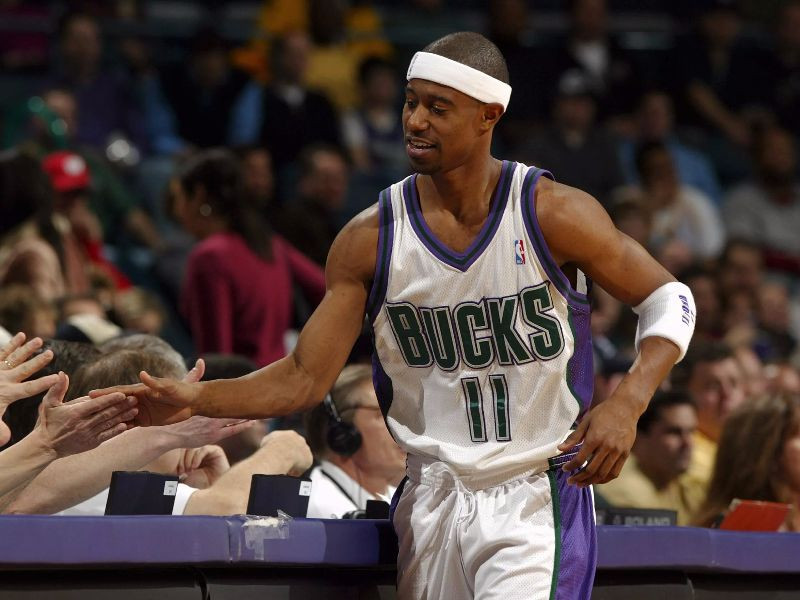 TJ_Ford_Bucks_Around_the_Game