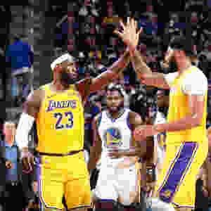 james_davis_NBA_Around_the_Game