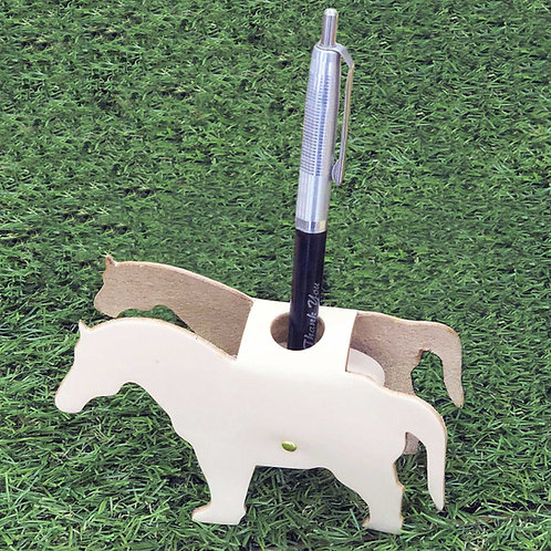 Pen stand horse