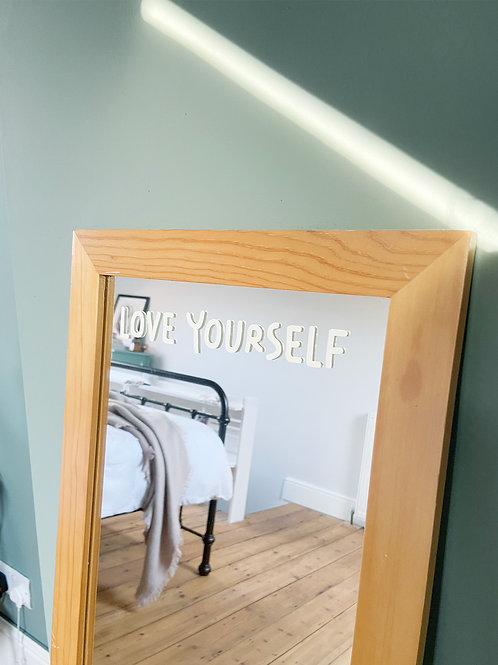 Love Yourself. - Mirror De-cal