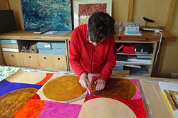 Marja in haar atelier