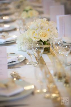 centre de table fleurs blanc et or