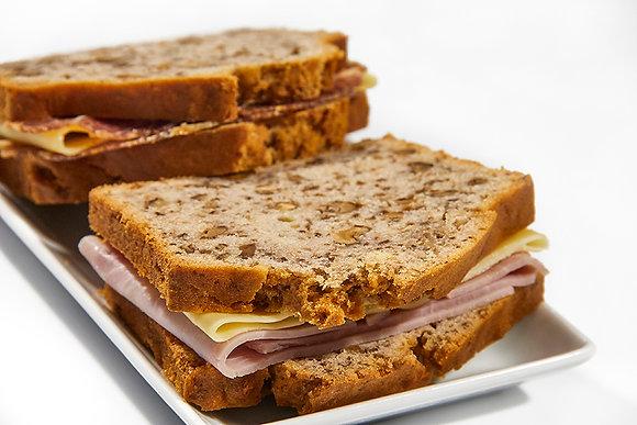 Pan de nuez relleno Jamón y queso / Bondiola y queso