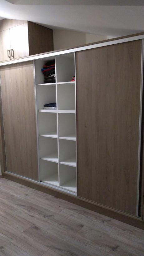 Beépített gardrób / szekrény