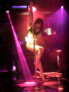 strip-and-night-club-in-Yerevan-018.jpg