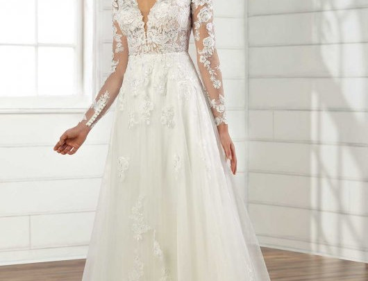 Vintage-Inspired Organic Lace Wedding Gown