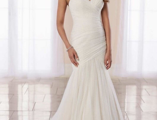 Modern Fit-and-Flare Wedding Dress with Ruching