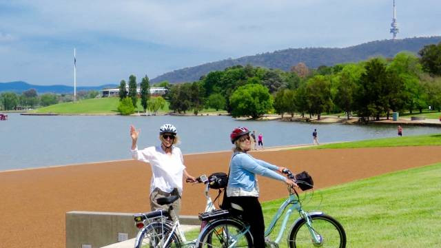 Cycle or Me-Mover along the shores of Lake Burley Griffin in Canberra Australia