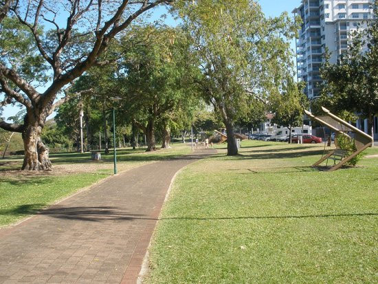 Darwin Esplanade is perfect for exploring all the tourist spots and sight-seeing via bike or Me-Mover.