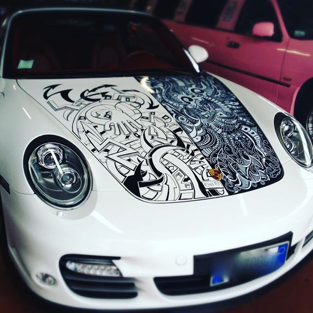 Dettagli di stile thanks to #luciobarbuio #fastcars #badass #thecarlovers #instacar #like #handmade