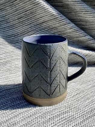 Stoneware mugs with herringbone pattern