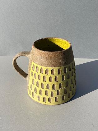 Stoneware mug with checkerboard  pattern