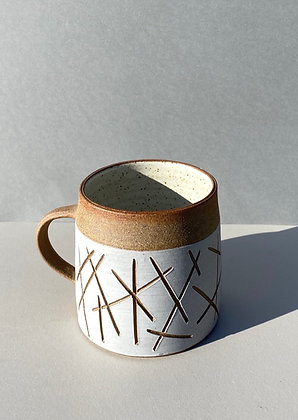 Stoneware mug with random pattern
