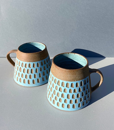 Stoneware mug with checkerboard  pattern