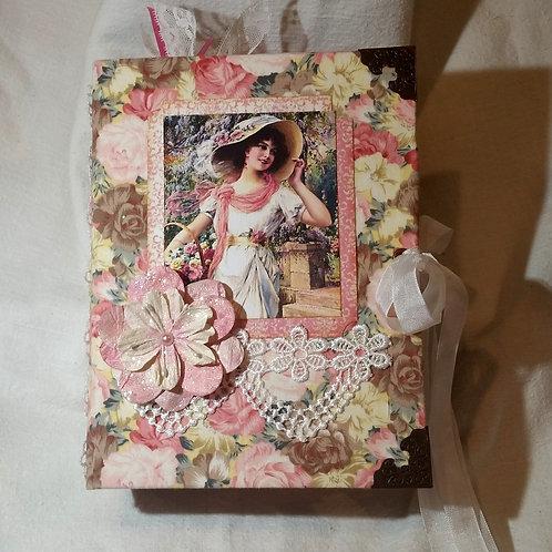 """""""Bouquet"""" Vintage Junk Journal"""