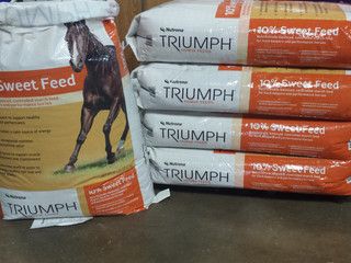 SALE! Triumph® 10% Sweet Feed