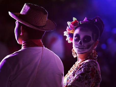 Clo's Next ViewPoint: Dia de los Muertos street vibe