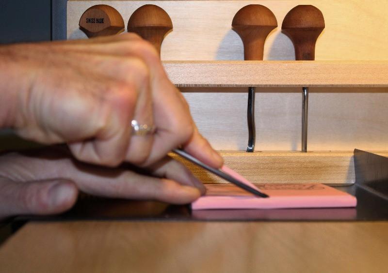 Carving a Speedball Speedy Carve linocut block