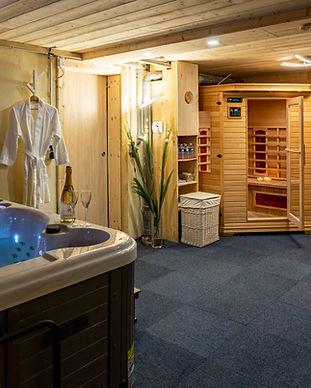 Jaccuzzi_sauna.jpg