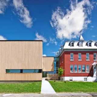 Pavillon Universitaire de l'ISFORT