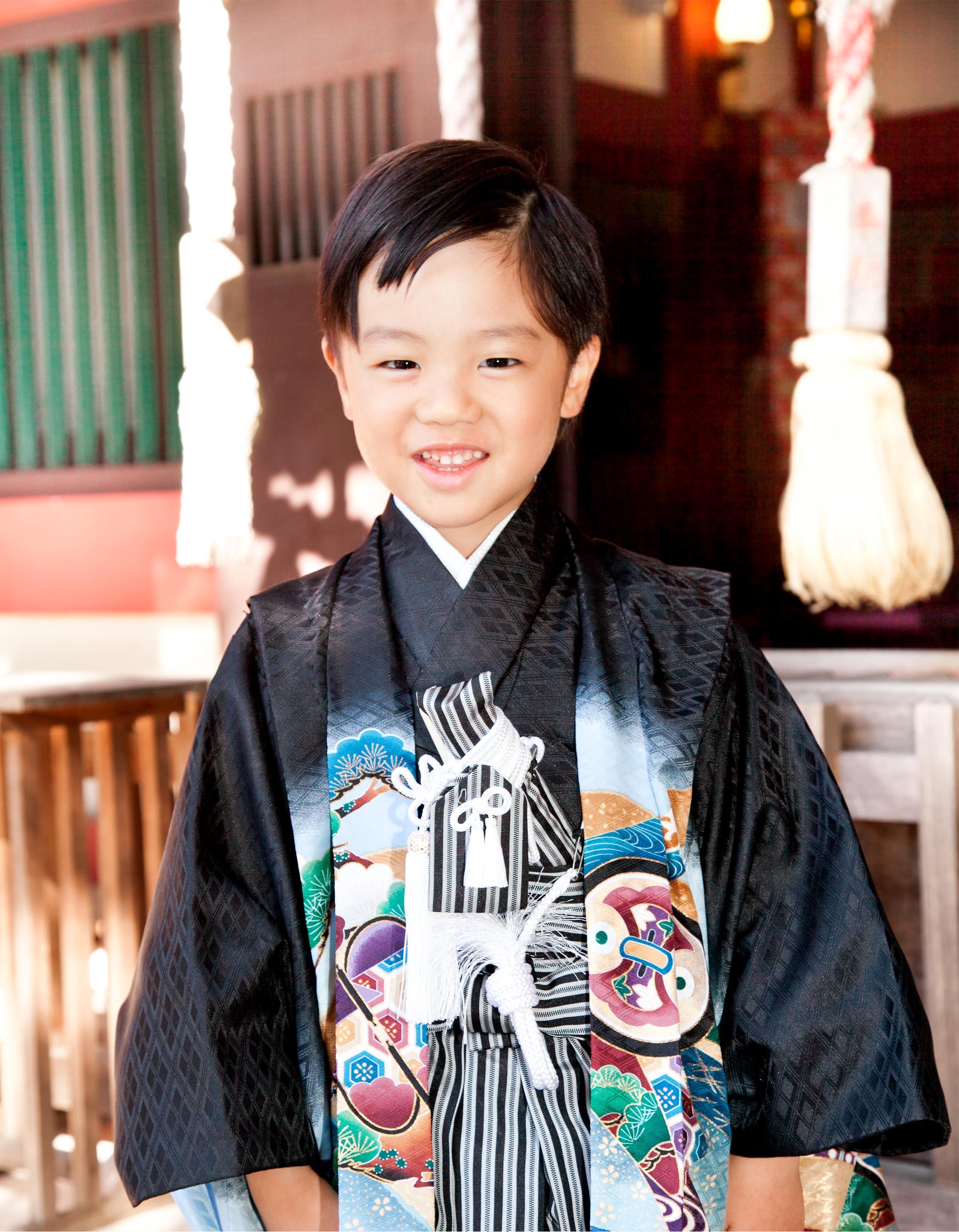 五歳-753-川口市-前川神社写真館アップ黒着物男笑顔