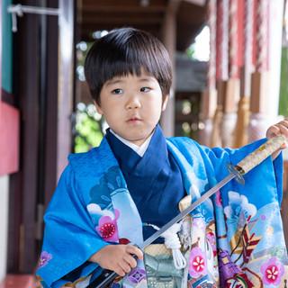 川口市前川神社写真館の男の子着物雨