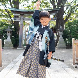 川口市蕨駅前川神社写真館5歳七五三着物袴男の子