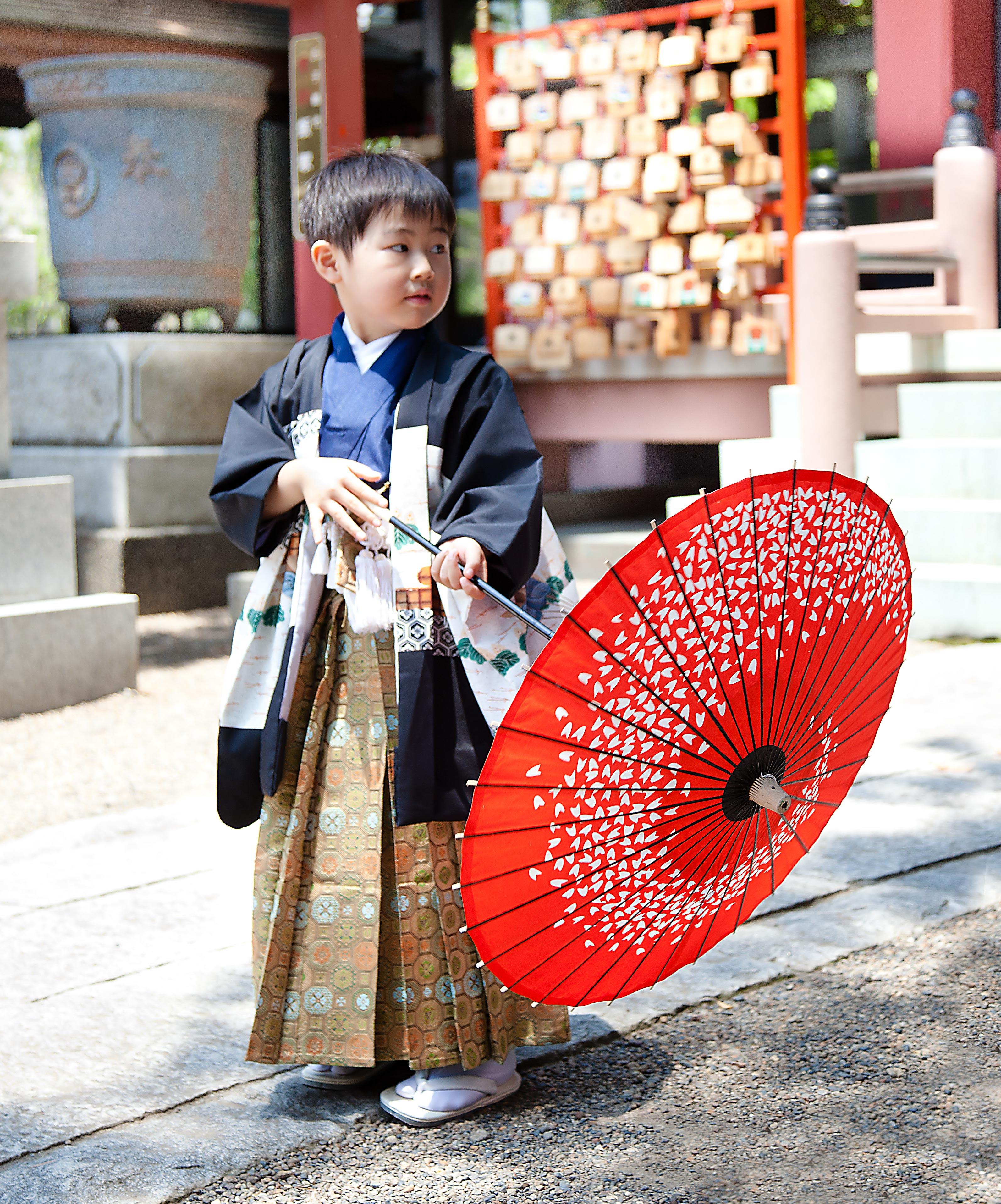 五歳-七五三-川口市前川神社写真館5歳社殿前外