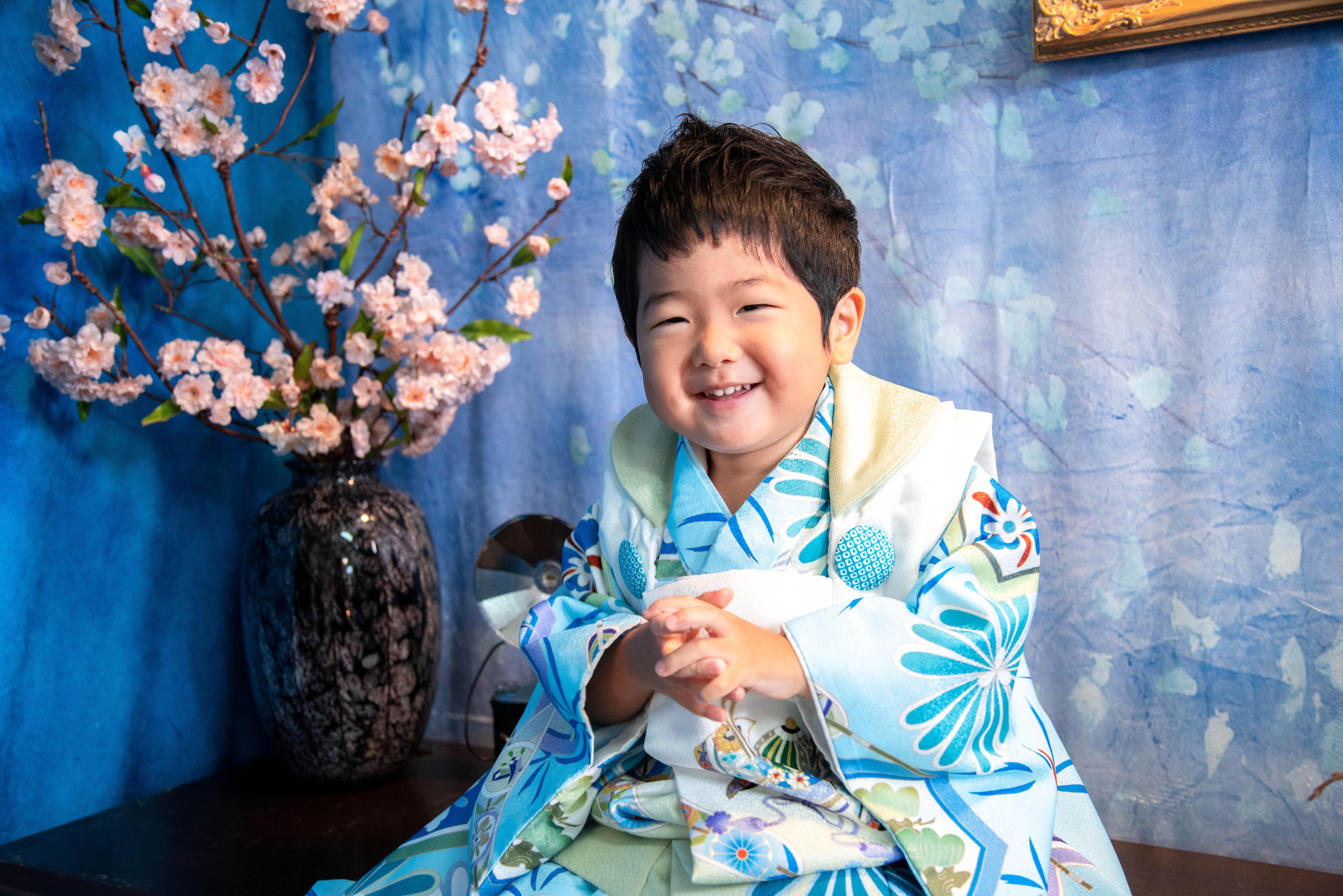七五三の三歳男の子は川口蕨の鈴木写真スタヂオ