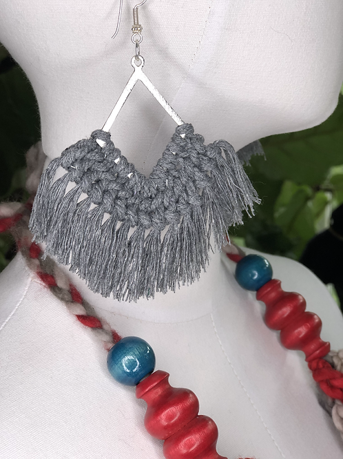 ON THE FRINGE Earrings / More colors!