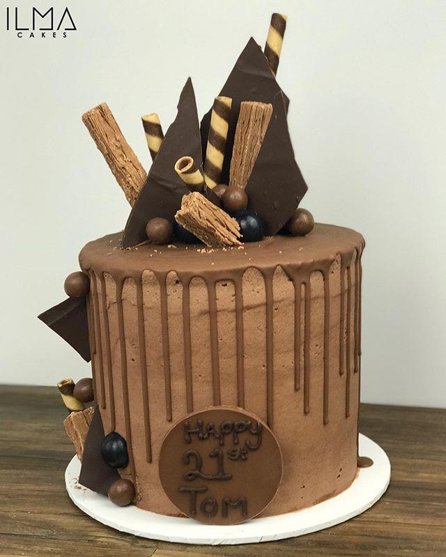 Chocolate overload drip cake for tom's 21st birthday 🎉 🍫_._._.__#ilmacakes #eat3280 #customcakes i
