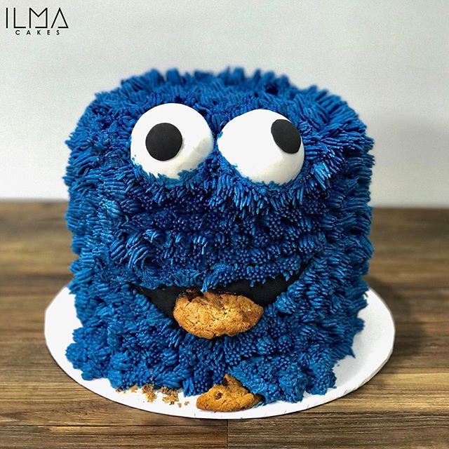 Cookie Monster themed birthday cake from the weekend! Loved creating it this one 🍪 🍪_._._#ilmacake