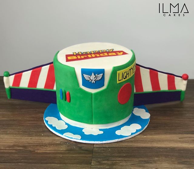 Buzz lightyear to star command!! Cute little toy story themed birthday cake from the weekend._._._