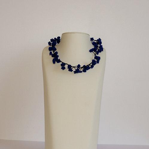 Collier « Cerisier » bleu foncé