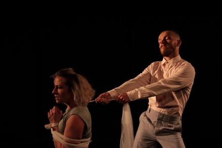AGORA Crítica Teatral | ACUADOS por Michele Rolim