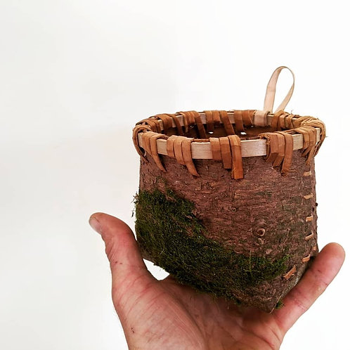 Hanging Bark Container